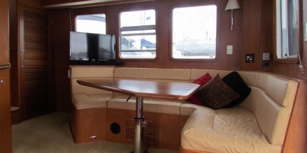 saloon_starboard_side